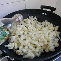 菁选酱油试用之——素炒菜花的做法图解3