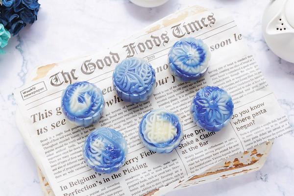 青花瓷冰皮月饼的做法