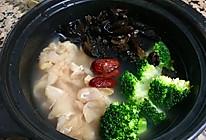红枣鸡肉煲仔饭的做法