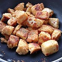 香辣馒头干--馒头的高逼格吃法#丘比沙拉汁#的做法图解7