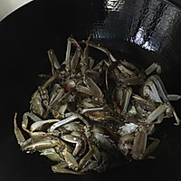 鉴定上海人的不二法门——毛蟹炒年糕的做法图解2