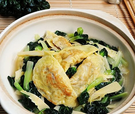 提升经典滋味---鲜美的乌塌菜冬笋烩蛋饺的做法