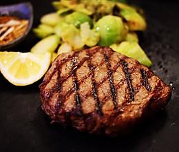 关于牛排怎么煎最好吃?详解的做法