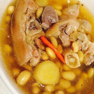 美容养颜靓汤--黄豆猪脚汤
