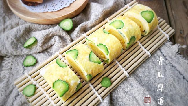 酷夏里的小清新——青瓜厚蛋烧#冰箱剩余食材大改造#的做法