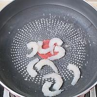 鲜虾香肠厚蛋烧的做法图解2