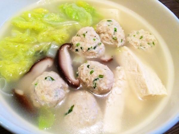 手工香菜肉丸子 之 白菜豆腐丸子汤的做法
