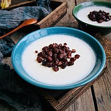 自制经典小吃:红豆双皮奶