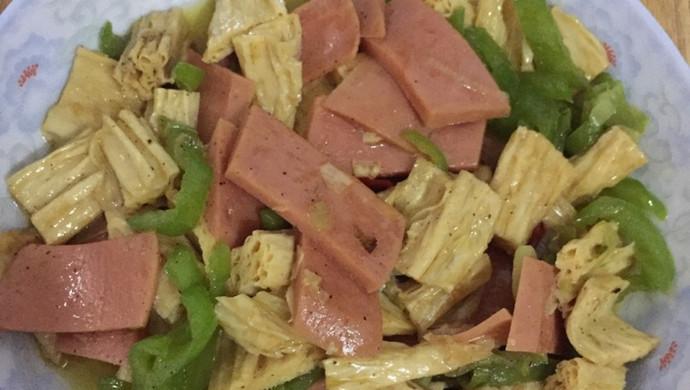 火腿肠炒腐竹