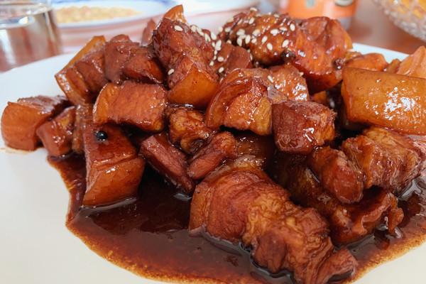 巨好吃的家常红烧肉的做法