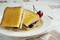 #母亲节,给妈妈做道菜#炸掉你的味蕾的简单早餐-蓝莓酱煎土司的做法