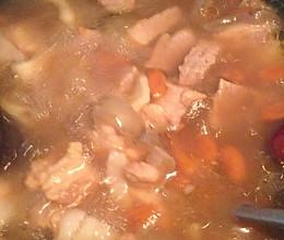 灵芝怀杞鳄鱼肉汤的做法