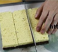 双色棋格奶油蛋糕的做法图解12