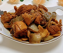 #肉食主义狂欢#鸡腿炖蘑菇的做法