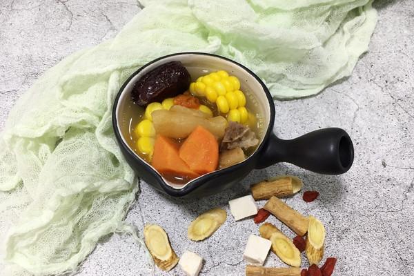 滋补养颜 花胶筒骨汤的做法