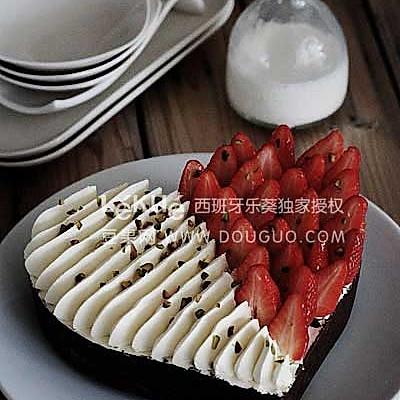 巧克力水果冰淇淋蛋糕(不用烤箱)的做法