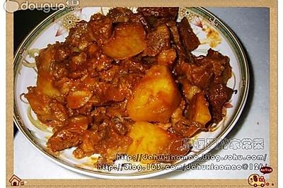 牛肉炖土豆西红柿