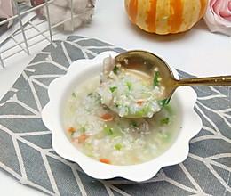 新一轮的流感来袭,赶紧试试这个可以抑制病毒的排骨生菜粥的做法