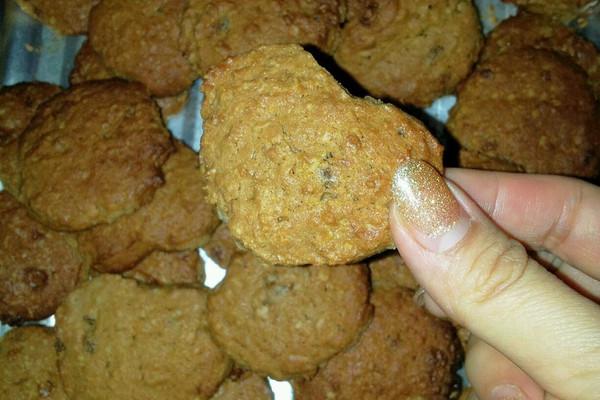 燕麦葡萄干饼干的做法