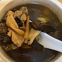 鱼胶灵芝乌鸡汤