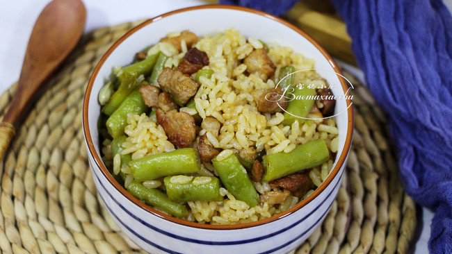电饭煲懒人美食~猪肉豆角饭的做法