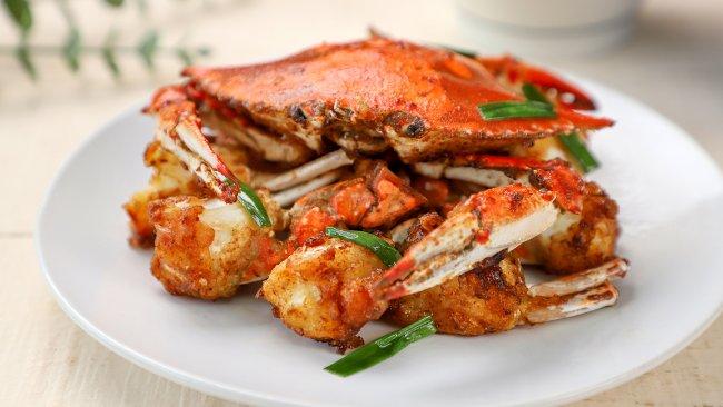 螃蟹这么做,连壳都能吃,拿来下酒真的一绝~的做法