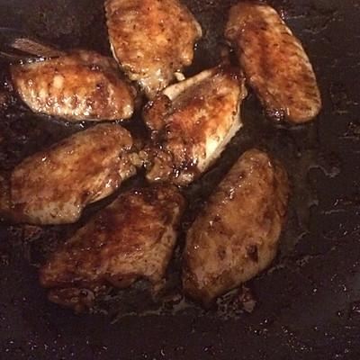 任性黑暗料理:胡椒博士烧鸡翅的做法 步骤5