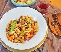 意大利面|酸酸辣辣番茄肉酱意面,酸豆角、干辣椒和意面的完美融的做法