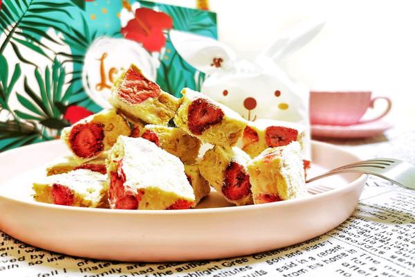 草莓坚果味雪花酥的做法