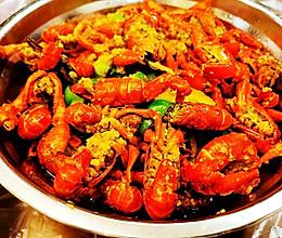 夏季美食:蒜泥小龙虾烧牛蛙的做法
