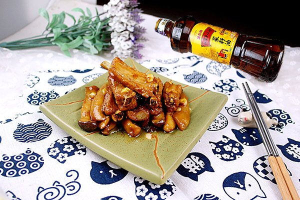 蒜香鸡腿菇焖排骨#金龙鱼外婆乡小榨菜籽油 最强家乡菜#的做法