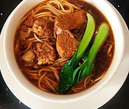 #美食视频挑战赛#红烧牛肉面的做法