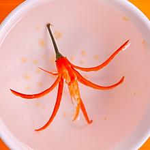 便当、摆盘装饰凹造型之辣椒花