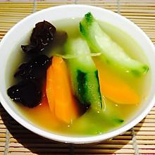 家乐浓汤宝--味三鲜(上汤丝瓜木耳红萝卜)