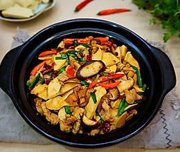 香菇素鸡炒肉的做法