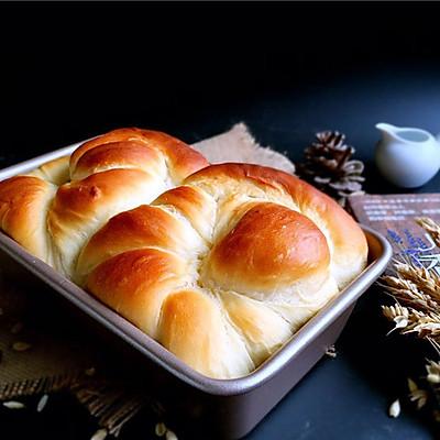 无敌拉丝的老式面包