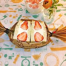 #餐桌上的春日限定#草莓奶油三明治