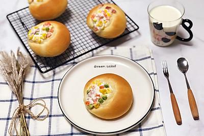 杂蔬培根沙拉小面包
