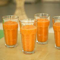 自制排毒果蔬汁的做法图解4