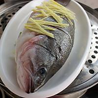 年夜饭_清蒸鲈鱼的做法图解4