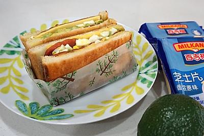 牛油果芝士片三明治