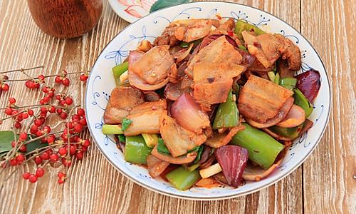 经典川味家常菜【回锅肉】的做法