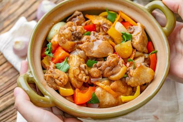 啫啫鸡煲|温暖丰富的做法