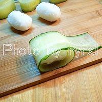 金枪鱼黄瓜寿司的做法图解8