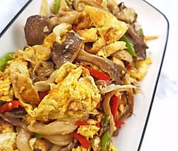 #餐桌上的春日限定#彩椒鸡蛋炒平菇的做法