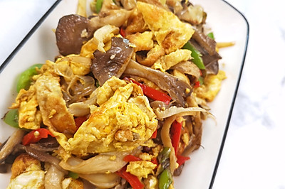 彩椒鸡蛋炒平菇