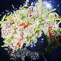 蒜苔肉丝炒饭的做法图解3