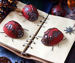 万圣节甲虫红丝绒蛋糕的做法