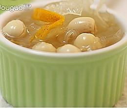 营养美味——陈皮莲子煲银耳的做法