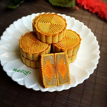 广式-白莲蓉蛋黄月饼